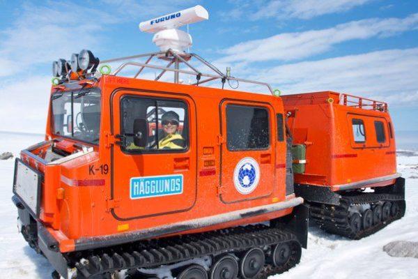 antarctica-hagglunds